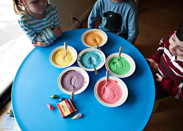 كاب كيك قوس قوزح (ملون جنان) Rainbow_cupcake_11web