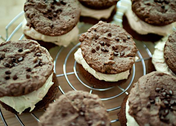 chocolate peanut butter whoopie pie recipe