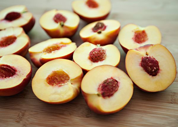 poached peaches with raspberries recipe