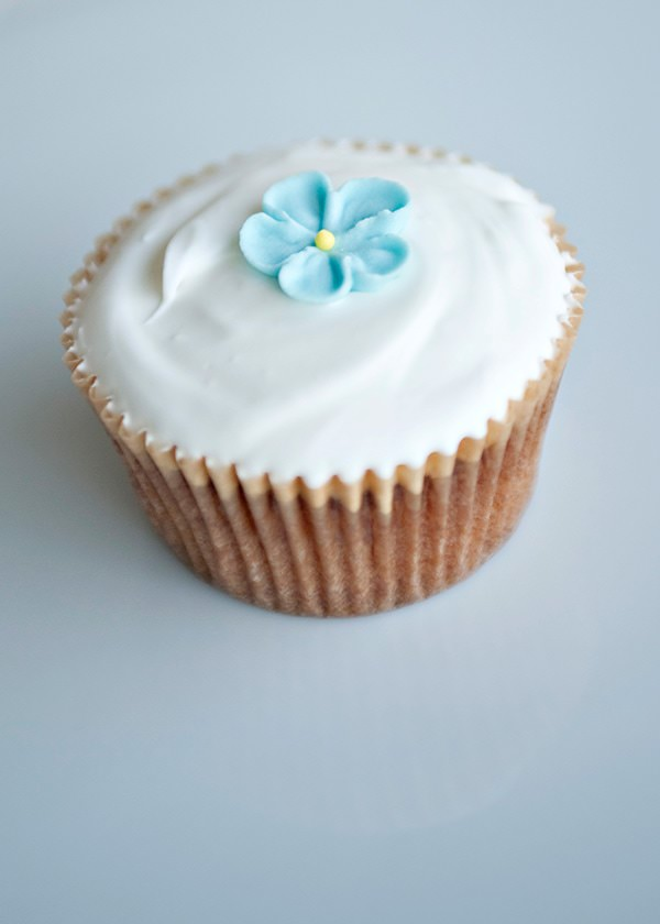 simple vanilla cupcake