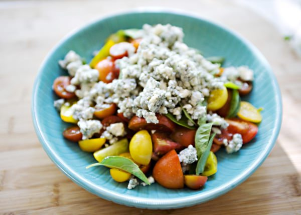 tomato basil and blue cheese salad
