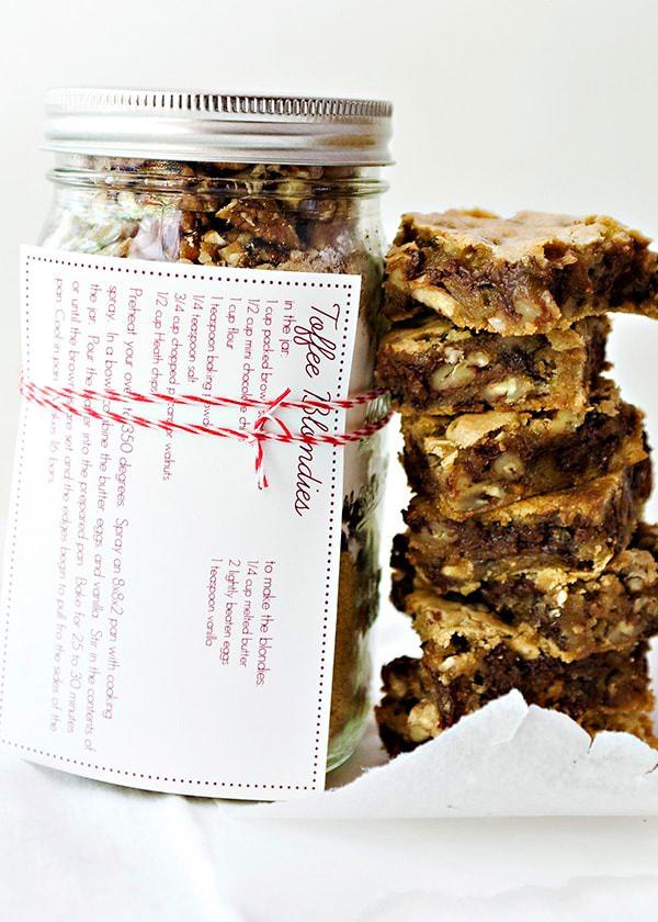 toffee blondies cookies in a jar