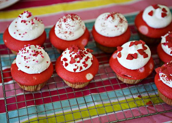 valentine cupcakes and a linky party - baked bree, Ideas