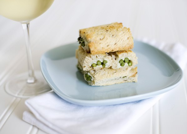 blue cheese and asparagus roll recipe