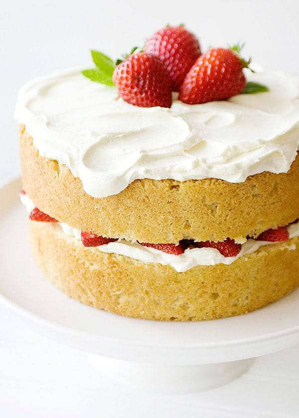 white cake with strawberries white chocolate strawberry cake baked 1308