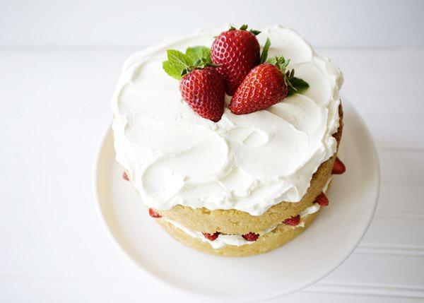 White Chocolate Strawberry Cake Baked Bree
