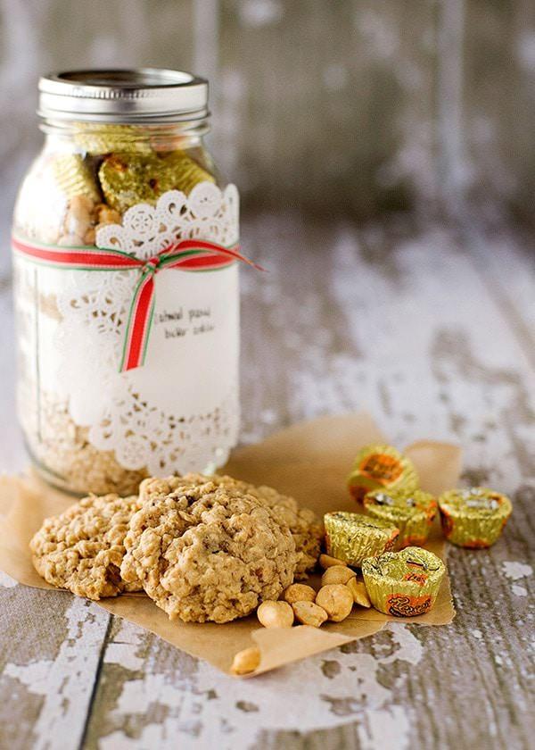 peanut butter oatmeal cookies