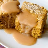pumpkin blondies with caramel sauce