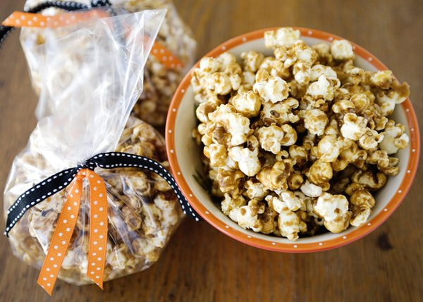 homemade caramel popcorn recipe