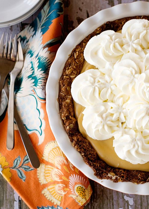 oatmeal scotchie cream pie