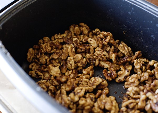 slow cooker sweet and spicy nuts recipe