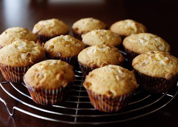 Recipe: Orange and white chocolate muffins