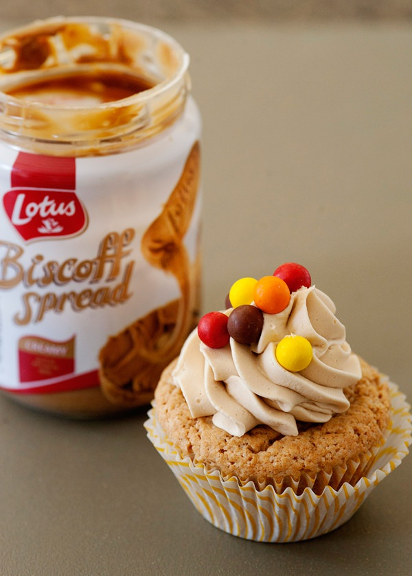Biscoff Cupcakes with Biscoff Buttercream - Baked Bree