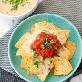 slow cooker bean and cheese queso recipe