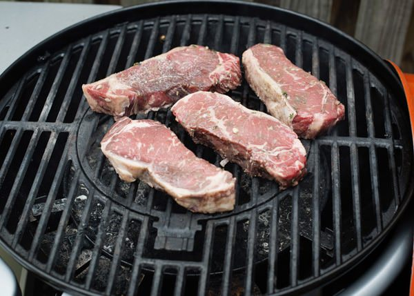 red wine steaks recipe