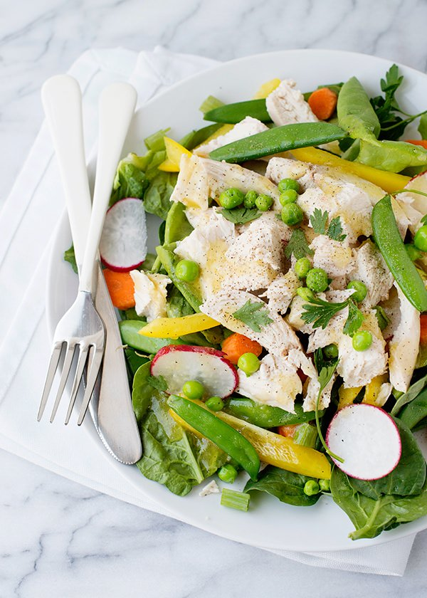 Recipe: Spring salad with roasted chicken