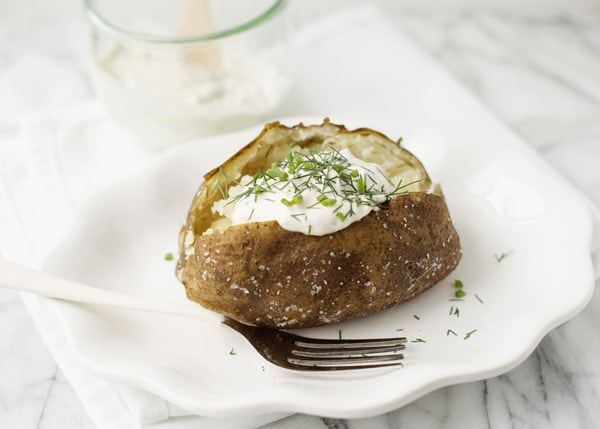baked-potatoes-herb-sour-cream_9