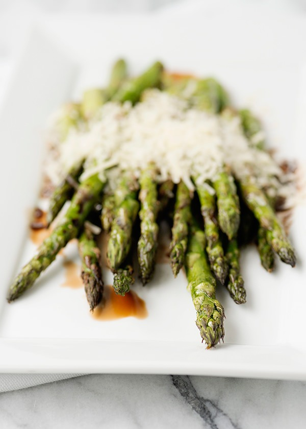 Recipe: Grilled asparagus with balsamic and parmesan