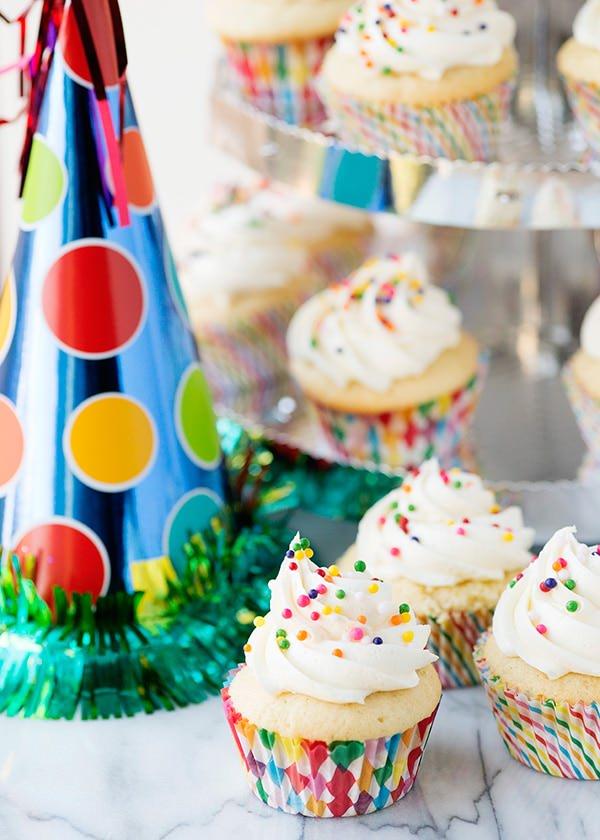 Vanilla Cupcakes with Vanilla Buttercream recipe