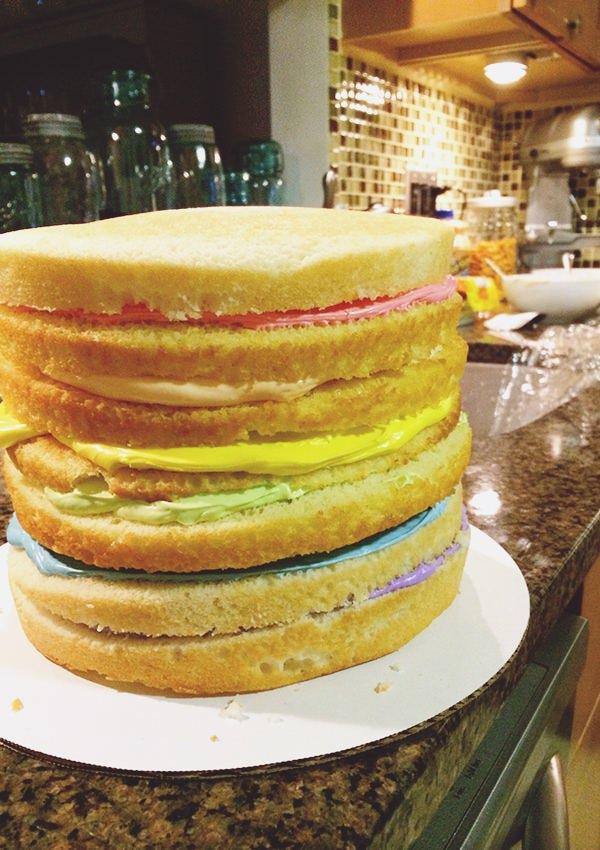 rainbow frosting cake