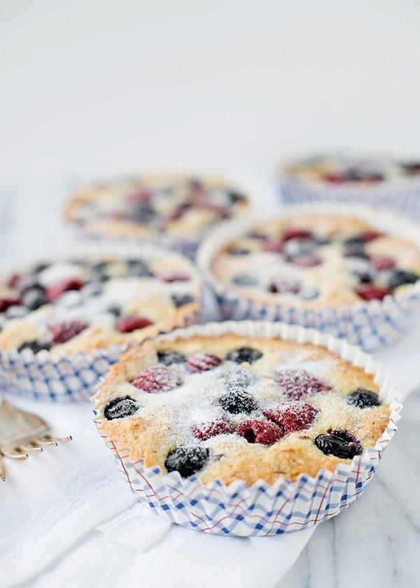 berry almond cake recipe