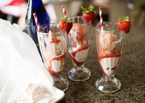 strawberry ice cream soda recipe