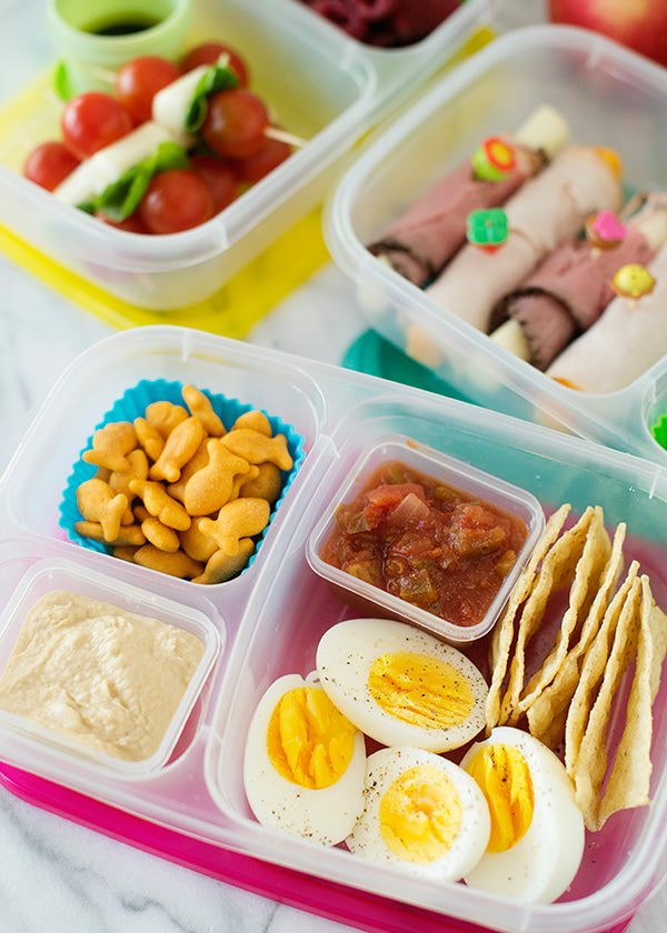 Lunchbox Ideas come from just simple ingredients. Dairy, Carbs, Protein, Fruit and Vegetables. Pop it into the lunchbox with a lunchbag and an iceblock and you are ready to go! For daily lunchbox ideas, recipes and school lunches – check out our Facebook Page.