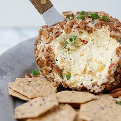 cheddar chutney cheese ball