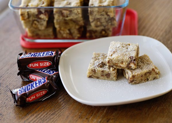 Snickers Cookies Bars recipe