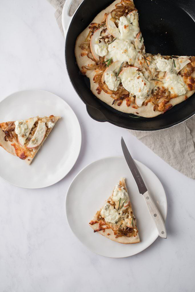 cast iron white pizza