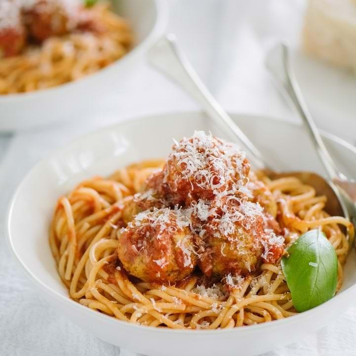 bowl of turkey pesto meatballs with spaghetti