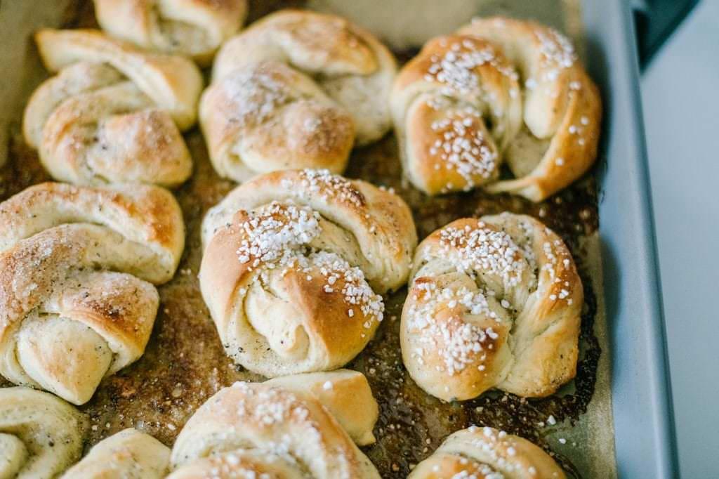 baked cardamom buns
